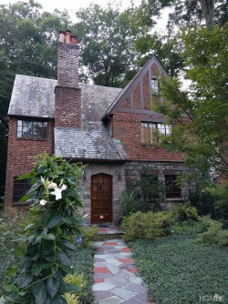Photo of 84 Parkway East, Mount Vernon, NY 10552 (MLS # 4855461)