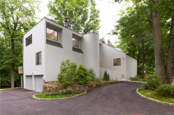 Photo of 2 Whippoorwill Close, Chappaqua, NY 10514 (MLS # 4906130)