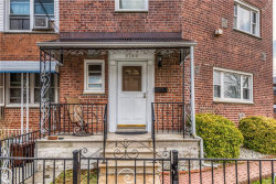 Photo of 3164 Waterbury Avenue, Bronx, NY 10465 (MLS # 4920352)