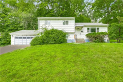 Photo of 4 Hidden Glen Lane, Airmont, NY 10952 (MLS # 4985058)