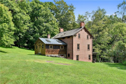 Photo of 220 West Mount Airy Road, Croton-on-Hudson, NY 10520 (MLS # 5009818)