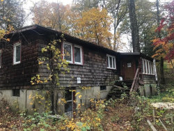 Photo of 7 Evergreen Road, Putnam Valley, NY 10579 (MLS # 5122254)