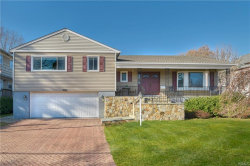 Photo of 10 Dinsmore Place, Harrison, NY 10528 (MLS # 5126092)