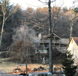Photo of 602 Oscawana Lake Road, Putnam Valley, NY 10579 (MLS # 6006023)