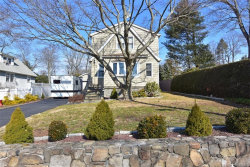 Photo of 15 East Linwood Street, Valhalla, NY 10595 (MLS # 6019344)