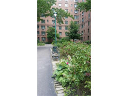 Photo of 1940 East Tremont Avenue, Unit 6A, Bronx, NY 10462 (MLS # 4730593)