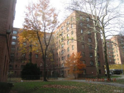 Photo of 1945 McGraw Avenue, Unit 2D, Bronx, NY 10462 (MLS # 4854761)