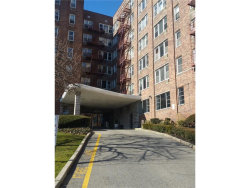 Photo of 333 Bronx River Road, Unit 212, Yonkers, NY 10704 (MLS # 4752652)