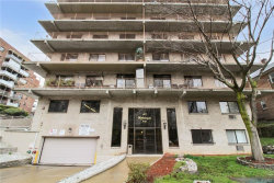 Photo of 687 Bronx River Road, Unit 3H, Yonkers, NY 10704 (MLS # 4817452)