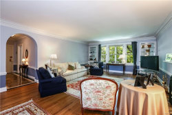 Photo of 10 Brooklands, Unit 4E, Bronxville, NY 10708 (MLS # 4827682)