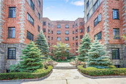 Photo of 45 West Pondfield Road, Unit 5C, Bronxville, NY 10708 (MLS # 4830884)