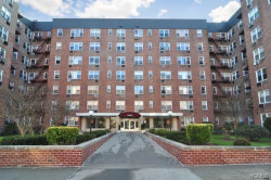 Photo of 4 Sadore Lane, Unit 7A, Yonkers, NY 10710 (MLS # 4853641)