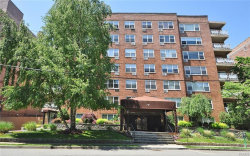 Photo of 10 Old Mamaroneck Road, Unit 5E, White Plains, NY 10605 (MLS # 4922602)
