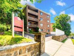 Photo of 332 Palisade Avenue, Unit E3, Yonkers, NY 10703 (MLS # 4995574)
