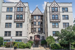 Photo of 26 Pondfield Road West, Unit 2E, Bronxville, NY 10708 (MLS # 5009744)