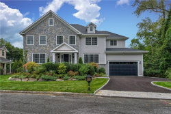 Photo of 1 Pinebrook Hollow Drive, New Rochelle, NY 10804 (MLS # 4843952)