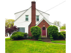 Photo of 26 Maple Dr, Youngstown, OH 44512 (MLS # 3901059)
