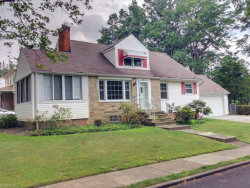 Photo of 922 Englewood Rd, Cleveland Heights, OH 44121 (MLS # 3909572)