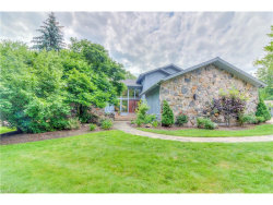 Photo of 25 Hunting Hollow Dr, Pepper Pike, OH 44124 (MLS # 3920090)