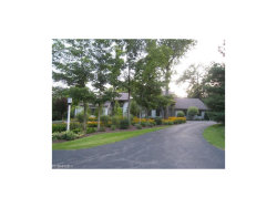 Photo of 90 Stonewood Dr, Moreland Hills, OH 44022 (MLS # 3920731)