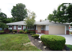 Photo of 840 Belwood Dr, Highland Heights, OH 44143 (MLS # 3925974)