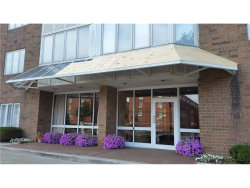 Photo of 3330 Warrensville Center Rd, Unit 405, Shaker Heights, OH 44122 (MLS # 3931593)