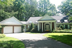 Photo of 30 Windrush Dr, Moreland Hills, OH 44022 (MLS # 3938154)