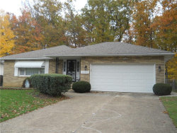 Photo of 5365 Oak Ridge Dr, Willoughby, OH 44094 (MLS # 3956415)