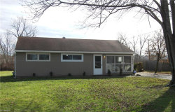 Photo of 1860 Edgewood Dr, Twinsburg, OH 44087 (MLS # 3976578)