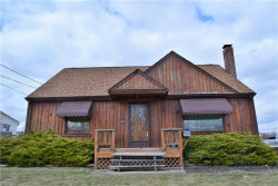 Photo of 181 Renee Dr, Struthers, OH 44471 (MLS # 3979962)