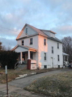 Photo of 108 Gladstone St, Campbell, OH 44405 (MLS # 3982445)