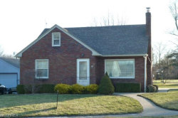 Photo of 318 Center St, Struthers, OH 44471 (MLS # 3982492)