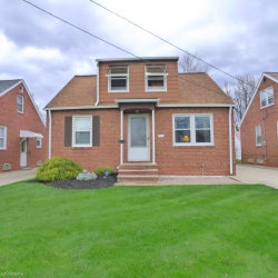 Photo of 1543 Winchester Rd, Lyndhurst, OH 44124 (MLS # 4011489)