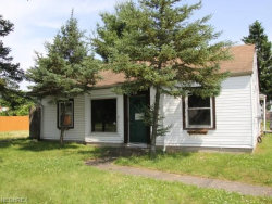 Photo of 884 Roxbury Ave, Youngstown, OH 44502 (MLS # 4013517)
