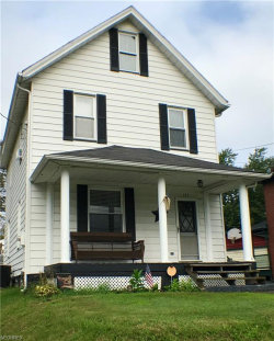 Photo of 125 Ridgeway St, Struthers, OH 44471 (MLS # 4029657)