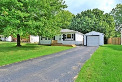 Photo of 1401 Red Oak Dr, Girard, OH 44420 (MLS # 4038097)