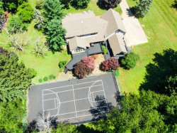Photo of 40 Green Meadow Pl, Poland, OH 44514 (MLS # 4060959)