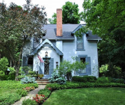 Photo of 165 South Franklin St, Chagrin Falls, OH 44022 (MLS # 4061806)