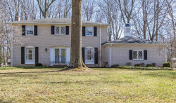 Photo of 7611 West Parkside Dr, Youngstown, OH 44512 (MLS # 4064038)