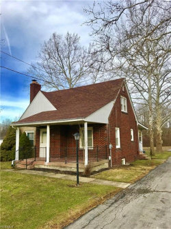 Photo of 131 Struthers Coitsville Rd, Lowellville, OH 44436 (MLS # 4072387)