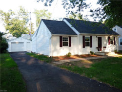Photo of 961 Mohegan Trl, Willoughby, OH 44094 (MLS # 4115602)