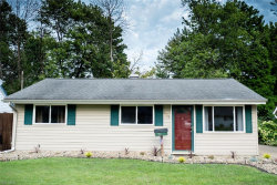 Photo of 4761 Robinwood Dr, Mentor, OH 44060 (MLS # 4124444)