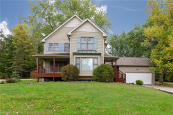 Photo of 38 Paw Paw Lake Dr, Chagrin Falls, OH 44022 (MLS # 4138410)