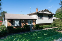 Photo of 366 Suzanne Dr, Kent, OH 44240 (MLS # 4140495)