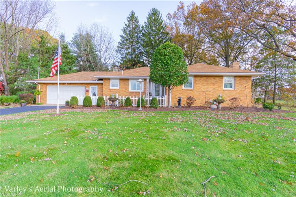 Photo of 983 Youngstown Kingsville Rd Southeast, Vienna, OH 44473 (MLS # 4147962)
