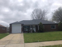 Photo of 576 Hemlock Dr, Euclid, OH 44132 (MLS # 4190621)