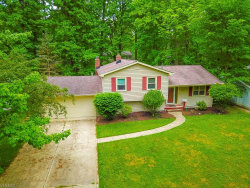 Photo of 9466 Driftwood Dr, Olmsted Falls, OH 44138 (MLS # 4194205)