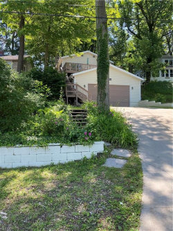 Photo of 6260 Lakeview Dr, Ravenna, OH 44266 (MLS # 4197448)