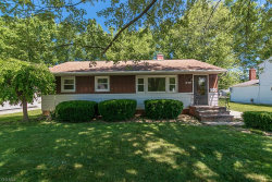 Photo of 38359 Parkway Blvd, Willoughby, OH 44094 (MLS # 4197668)