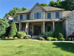 Photo of 810 South Sussex Ct, Aurora, OH 44202 (MLS # 4197868)